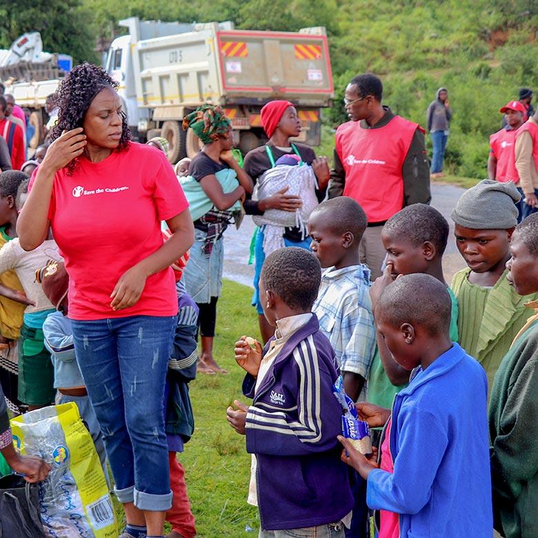 Humanitarian aid for Zimbabwe after Cyclone Idai