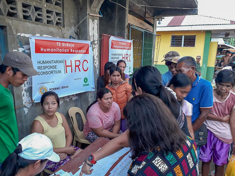 Humanitarian help for typhoon survivors in the Philippines