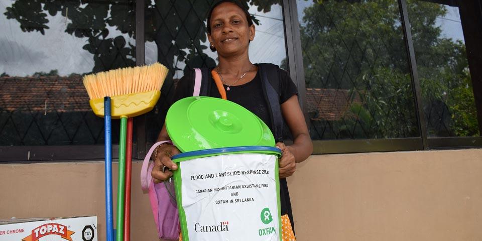 Humanitarian aid in Sri Lanka after floods